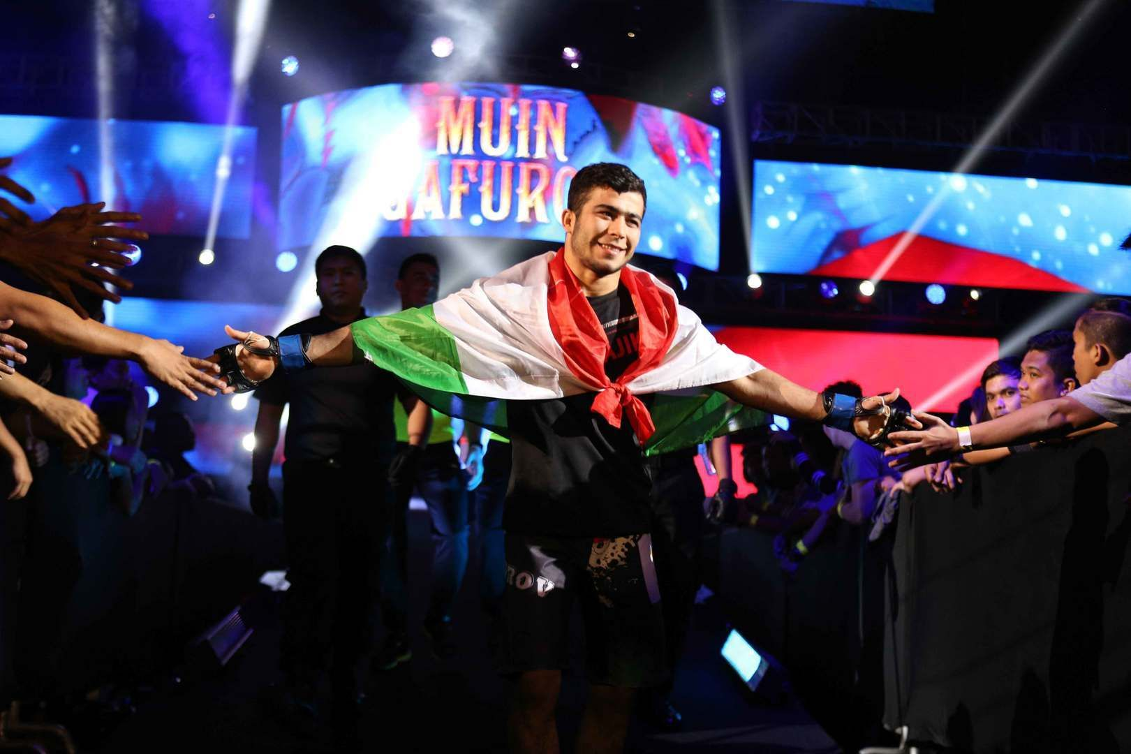 Muin Gafurov makes his entrance