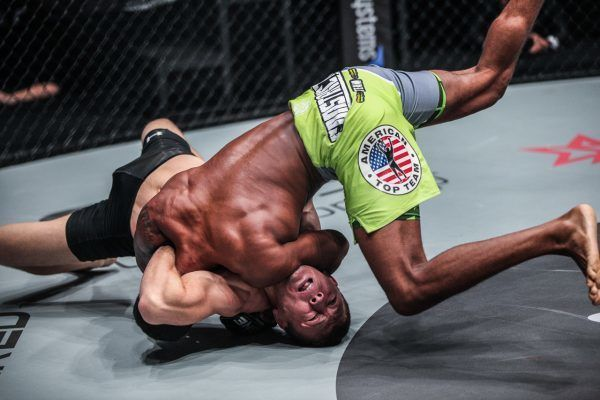 Adriano Moraes Tapping Out Tilek Batyrov
