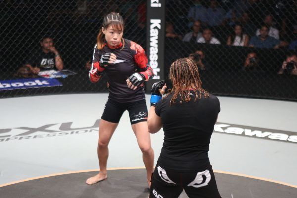 Mona Samir VS Angela Lee