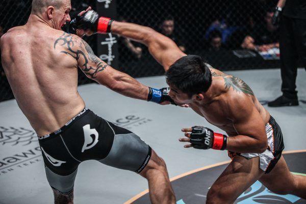 Michal Pasternak VS Aung La N Sang