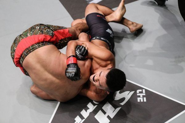 ONE: ASCENT TO POWER Fight 6: In a thrilling featherweight contest, Christian Lee submits Cary Bullos with a D'Arce choke in the very first round