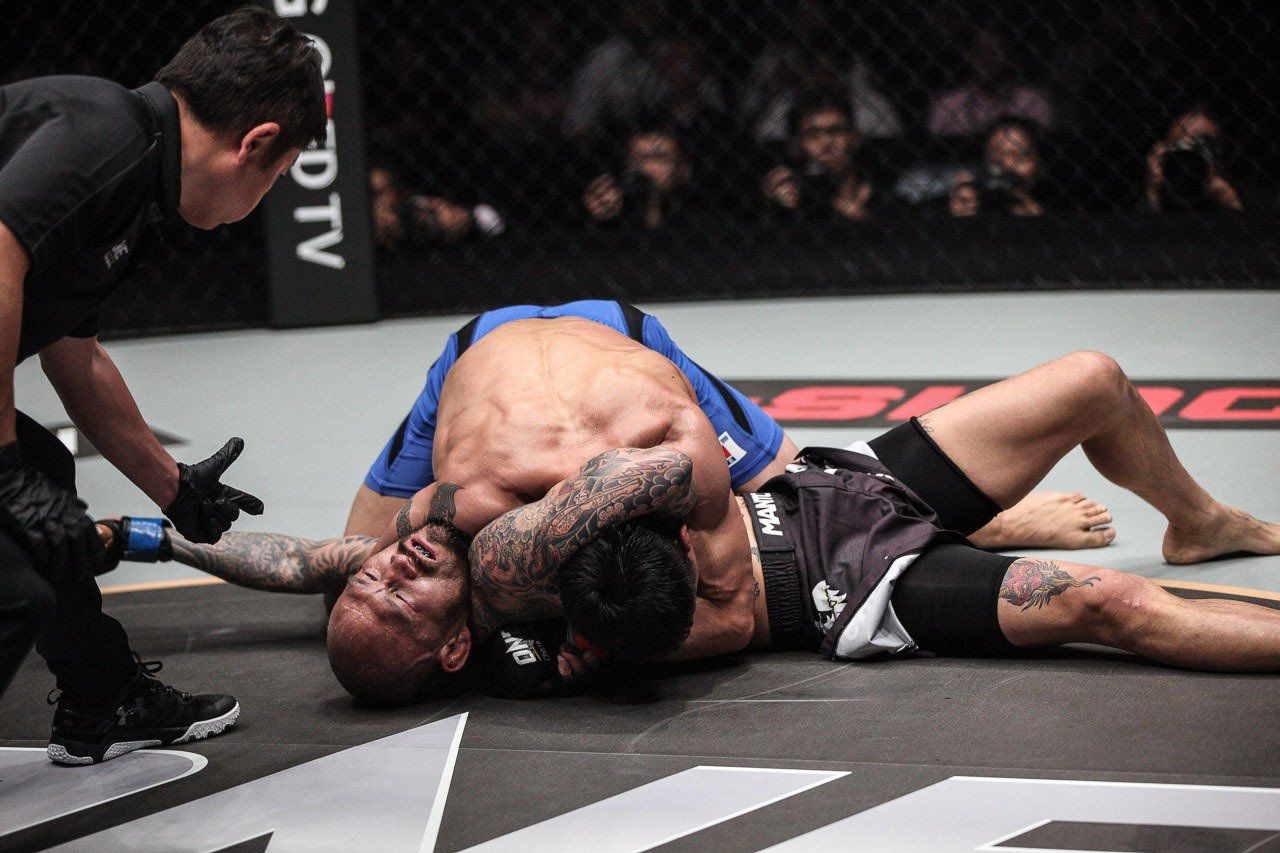 After three rounds of hard-fought action, Narantungalag Jadambaa submits Kotetsu Boku via Von Flue choke at ONE: ASCENT TO POWER in Singapore
