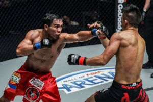 Kevin Belingon Wins World Title After 5 Rounds Of Furious Action
