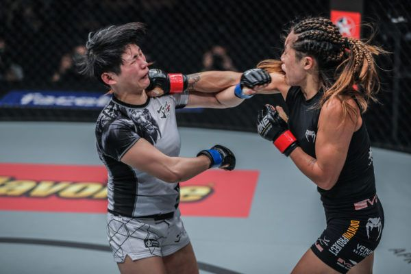 Full Fight: Angela Lee VS Jenny Huang