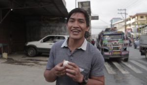 Eduard Folayang Shares How To Eat A Balut Egg