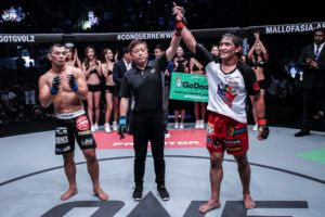 Eduard Folayang Retains ONE Lightweight World Championship