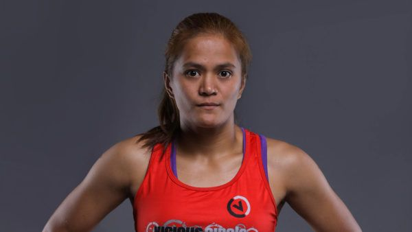 Gina Iniong Seeks Quick Finish Over Natalie Gonzales Hills In First Round