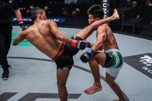 Dejdamrong Sor Amnuaysirichoke Overpowers Adrian Matheis For Quick KO