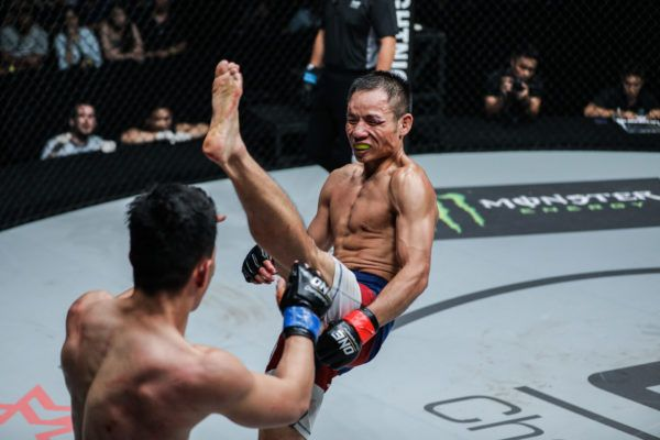 Chen Lei Remains Undefeated, Submits Saiful Merican