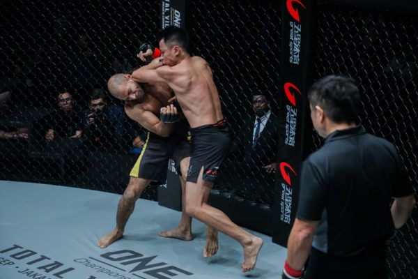 Sagetdao Petpayathai Showcases Muay Thai, Knocks Out Mahmoud Mohamed