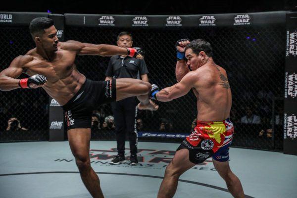 Adrian Pang VS Amir Khan