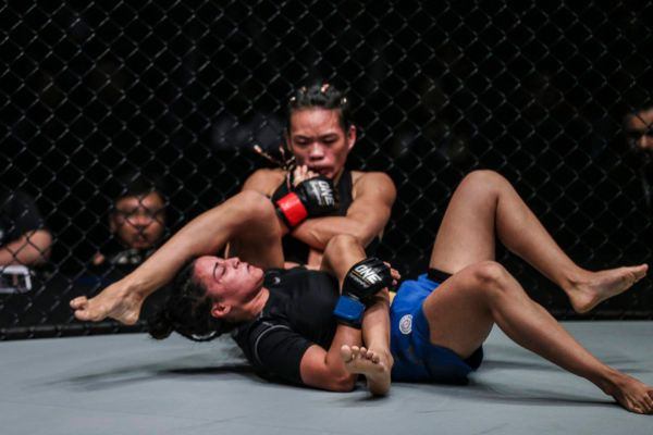 Tiffany Teo Submits Puja Tomar Via Armbar