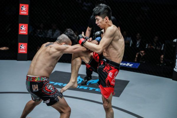 Xie Chao Knocks Out Kelvin Ong In First Round