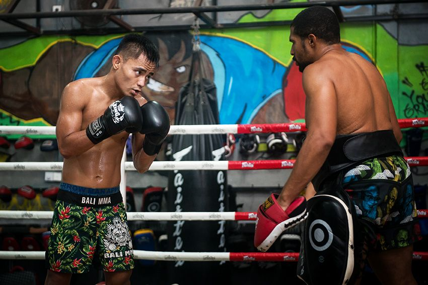 Indonesian mixed martial artist Stefer Rahardian trains at Bali MMA