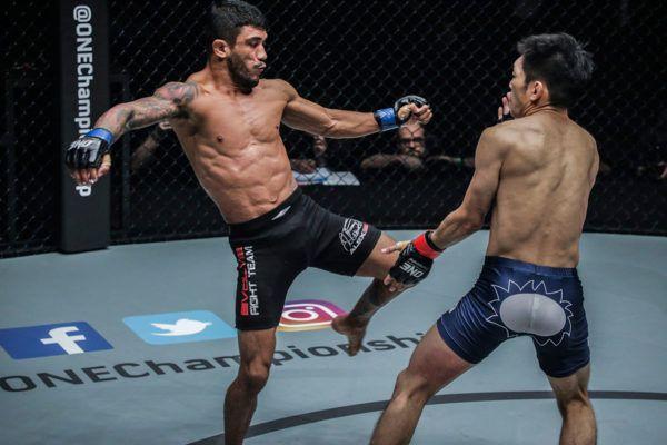 Alex Silva VS Yoshitaka Naito