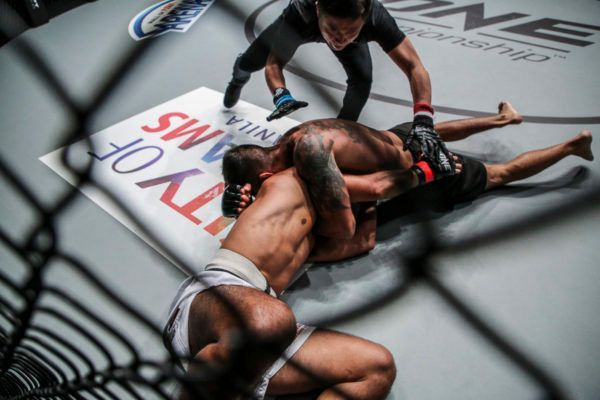 Rafael Nunes Submits Eric Kelly In Manila