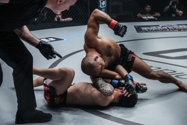 Rene Catalan Dominates Peng Xue Wen For TKO