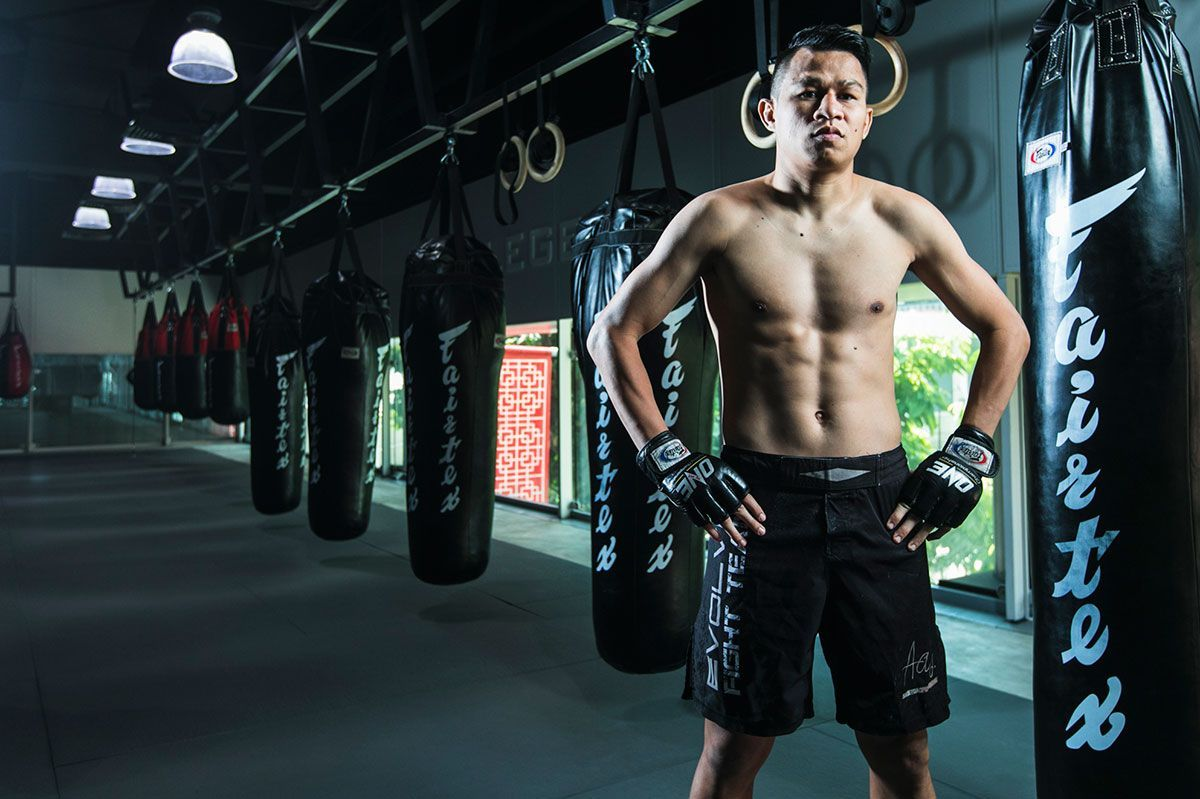 ONE Championship superstar and multiple-time Muay Thai World Champion Sagetdao Petpayathai
