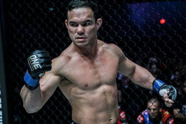 Adrian Pang Just Wants To Excite Manila Against Honorio Banario