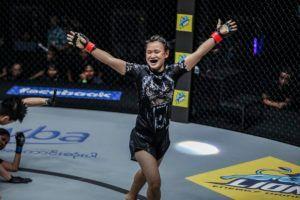 Bozhena Antoniyar Scores TKO Of Shwe Sin