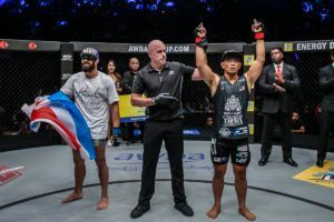 Ev Ting Defeats Ariel Sexton Via Split Decision