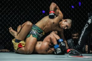 Agilan Thani Dismantles Amitesh Chaubey On The Ground