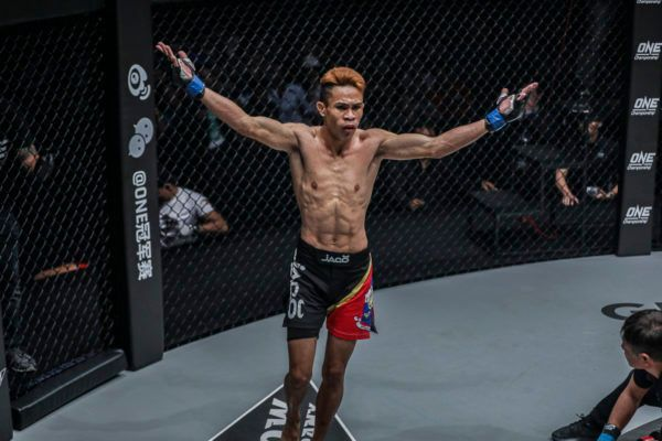 Jeremy Miado Knocks Out Muay Thai Legend Dejdamrong