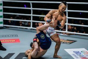 Dae Hwan Kim Outpoints Masakazu Imanari In Manila