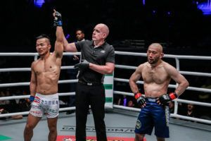Dae Hwan Kim Out-Works Masakazu Imanari For Decision Win