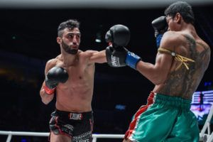 Giorgio Petrosyan Outguns Jo Nattawut In Striking Showcase