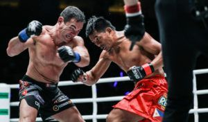 Honorio Banario Takes Narrow Split Decision Against Adrian Pang
