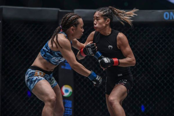 Angela Lee Battled Hard For Five Rounds To Keep Her Belt