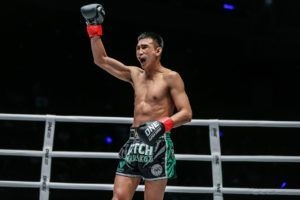 Petchmorrakot Wor. Sangprapai Wins Via Second-Round TKO In Macau