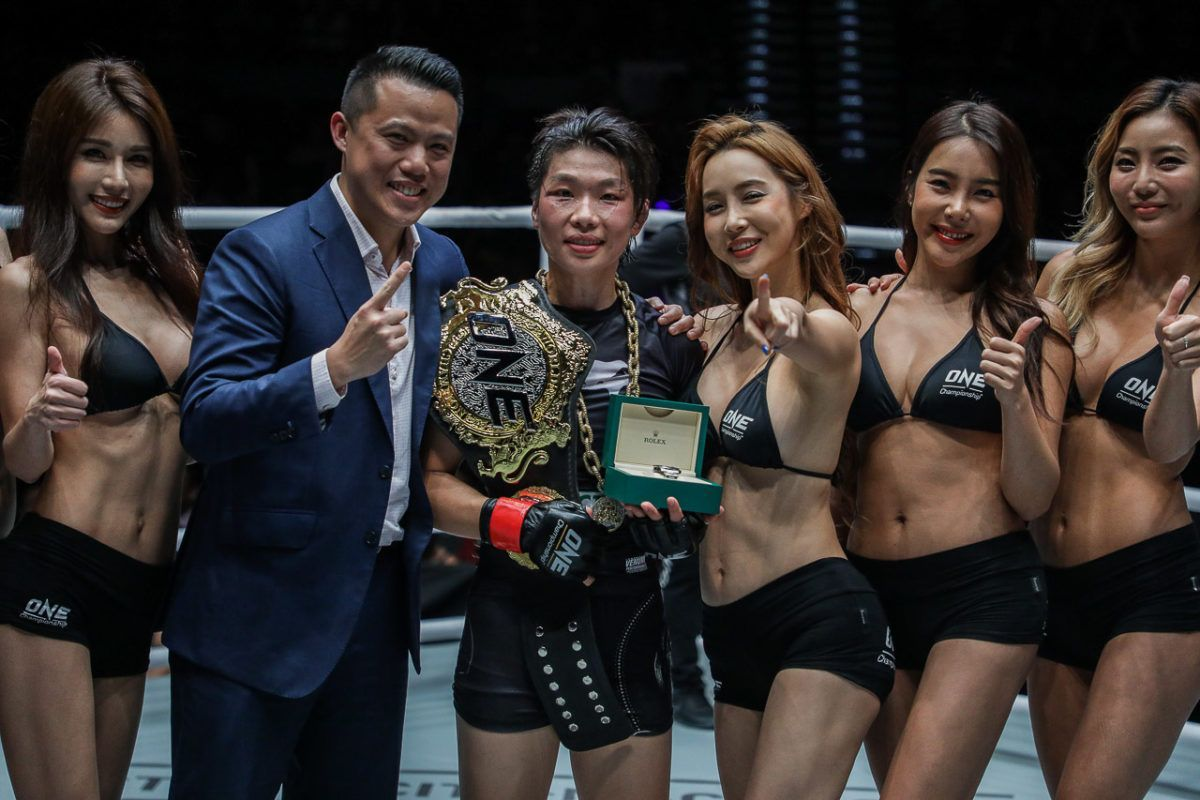 Xiong Jing Nan Dominates In First World Title Defense