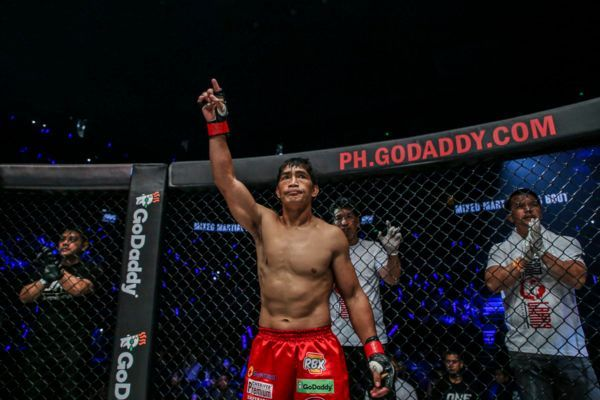The Vacant Lightweight Title Is Up For Grabs In The Philippines