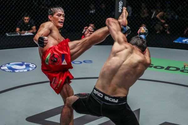 Eduard Folayang Topples Another Tough Opponent In Manila