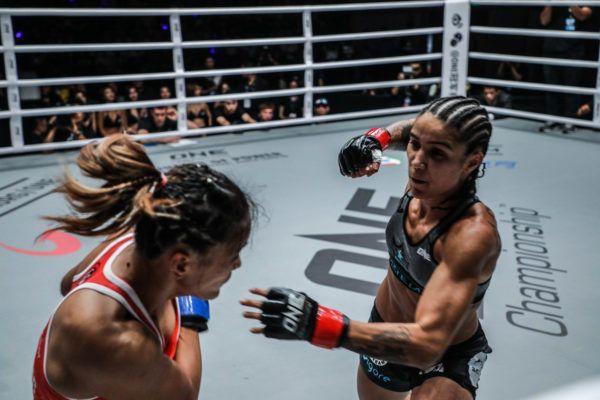 Istela Nunes' Sensational Muay Thai Too Much For Gina Iniong