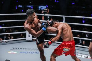 Amir Khan VS Honorio Banario