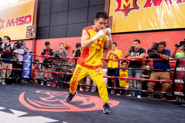 Srisaket Sor Rungvisai's Punching Power Is Off The Charts