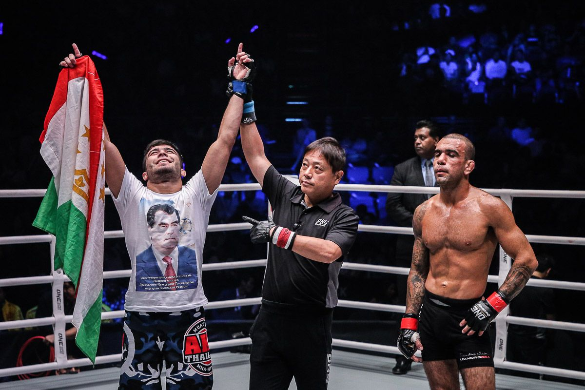 Muin Gafurov defeats Leandro Issa