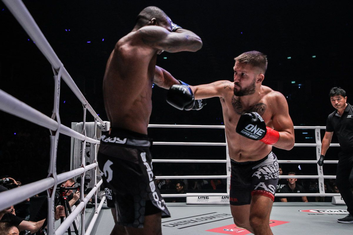 Dutch kickboxing legend Andy Souwer punches Anthony Njokuani