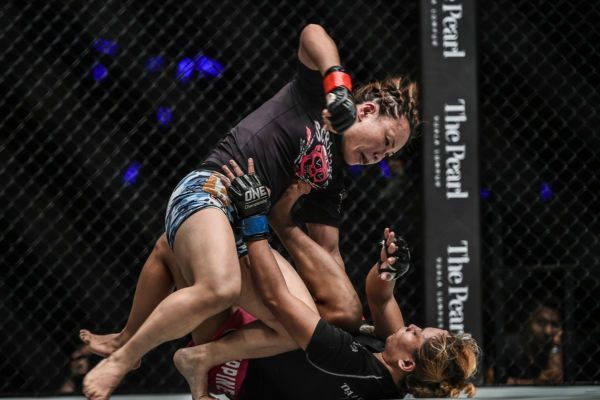 Mei Yamaguchi Earns Dominant Decision Against Jomary Torres