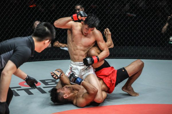 Singapore's own Christian Lee unleashes ground and pound on Edward Kelly