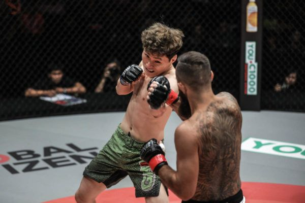 Kwon Won Il Shocks Anthony Engelen With 67-Second TKO