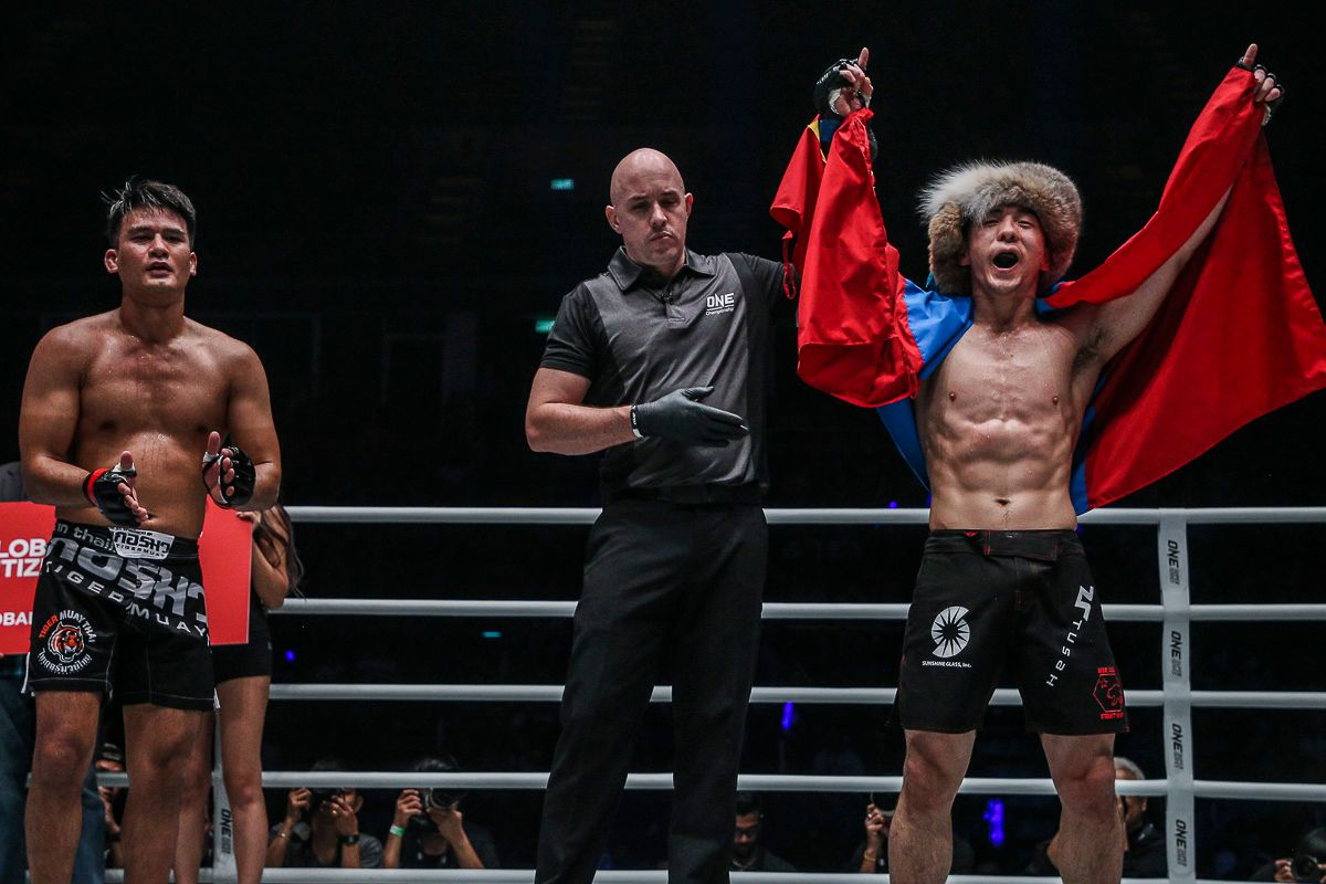Amarsanaa Tsogookhuu celebrates victory in his ONE debut against Shannon Wiratchai