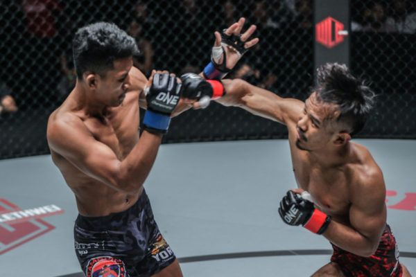 Yangon Erupts As Tial Thang Takes Debut Win Over Rin Saroth