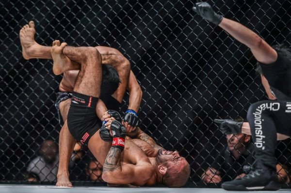 Leandro Issa's BJJ Offensive Was Too Much For Fu Chang Xin