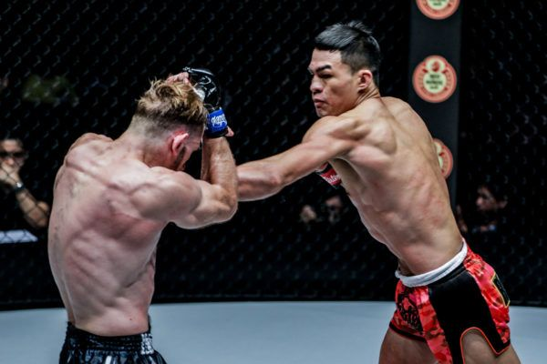 Saemapetch Fairtex defeats Ogjen Topic via decision