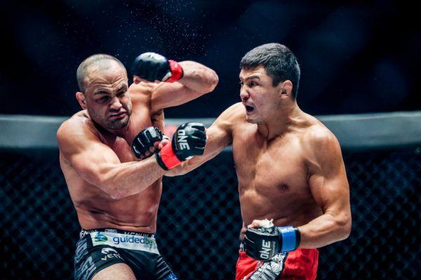 Russian knockout artist Timofey Natsyukhin spoils Eddie Alavarez's debut