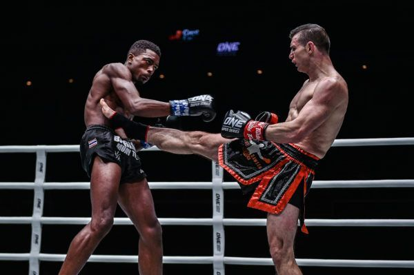 Daniel Dawson Edges Out Brown Pinas In Closely-Run Kickboxing Battle